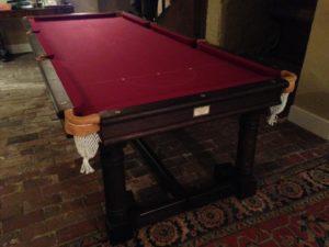 8 pocket snooker table